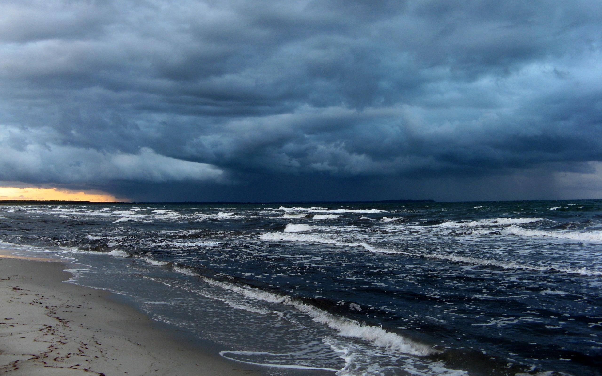 Beach Thunderstorm Wallpaper: Sooke Harbour Resort & Marina